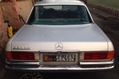 Mercedes 350 SE. 1986.5 porte grigia
