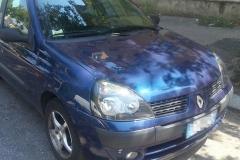 Renault Clio blu 5 porte.Anno 2002